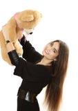 有玩具熊的好长发女孩 免版税库存照片