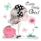 有玩具的逗人喜爱的小女孩 俏丽的儿童女孩 手拉的女孩坐长凳 草图 皇族释放例证