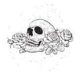 有玫瑰的头骨 免版税库存图片