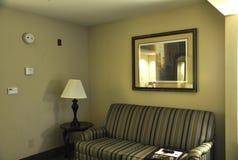 有现代内部的旅馆客房 库存图片