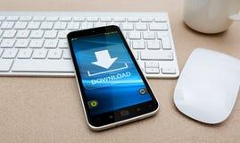 有现代手机的工作场所 免版税库存照片