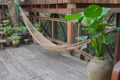 有现代泰国样式建筑学的木房子 库存照片