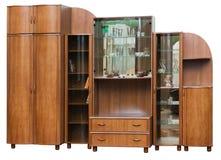 有玻璃门的木碗柜 库存图片