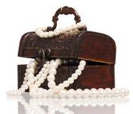 有珍珠的配件箱 库存图片