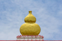 有瓢形状的中国传统酒瓶 免版税库存图片