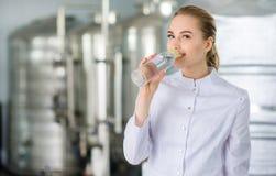 有瓶的专家纯净的水 免版税库存图片
