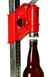 有瓶的瓶盖新闻Homebrew啤酒的,关闭 库存照片