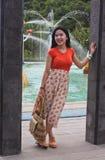 有甜微笑的印度尼西亚女孩 免版税图库摄影