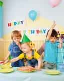 有生日的乐趣孩子集会三 免版税库存照片