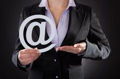 有电子邮件标志的买卖人 免版税库存照片