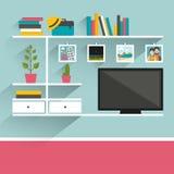 有电视和书架的客厅 免版税库存图片