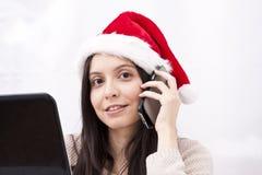 有电话的女孩 免版税库存图片
