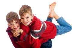 有男孩的乐趣二个年轻人 库存图片