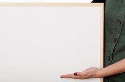 有白板的-这里您的文本妇女 免版税库存照片