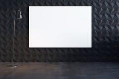 有白色帆布的抽象装饰黑墙壁 免版税库存照片