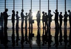 有的商人小组讨论 免版税库存照片