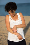 有的妇女皮肤过敏 免版税图库摄影