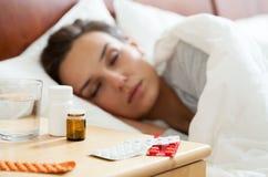 有的妇女秋天流感 免版税库存图片