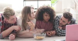 有的朋友快餐和电影 影视素材