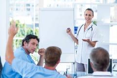 有的医生队激发灵感会议 免版税图库摄影