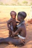 有的Himba女孩孩子,纳米比亚 库存图片