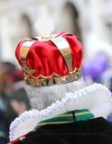 有皇家冠的更老的国王 免版税库存图片