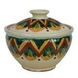有盒盖的陶瓷罐汤的 产品是手工制造的黏土 免版税图库摄影