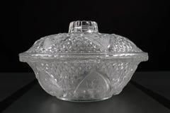 有盒盖的玻璃碗 免版税库存图片