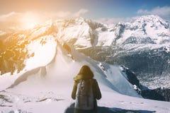 有看冰mountianand认为在冒险和vaca的妇女 图库摄影