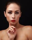 有眼线膏的美丽的构成妇女 免版税库存图片