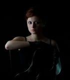 有短发的美丽的红头发人妇女 免版税图库摄影