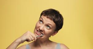 有短的理发的困30s妇女 图库摄影