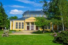 有矿泉水的亭子反弹-西部漂泊温泉镇Frantiskovy Lazne Franzensbad -捷克 免版税库存图片