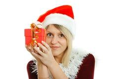 有礼物的美丽的女孩 免版税库存照片