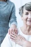有积极态度的年长女性 免版税库存照片