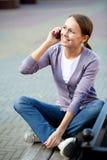 有移动电话的妇女 图库摄影