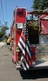 有稀薄的红线的美国国旗,拉塞福,新泽西,美国消防车 免版税图库摄影