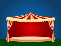 有空白的指挥台的马戏场帐篷您的对象或文本的 免版税库存照片