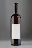 有空白的标签的被打开的红葡萄酒瓶 免版税库存照片