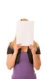有空白的横幅的美丽的白肤金发的妇女商务孤立的 免版税库存图片