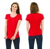有空白的红色衬衣的年轻深色的妇女 库存图片