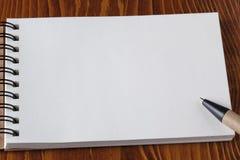 有空的地方的被回收的纸笔记本您的文本的 免版税库存图片