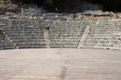 有空的舞台背景介绍概念的古老剧院 免版税库存图片