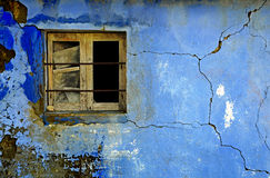 被放弃的打破的墙壁 免版税图库摄影