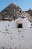 有窗口的Trullo墙壁 免版税库存照片