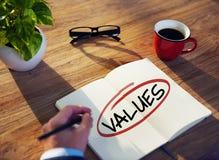 有笔记本和价值概念的人 免版税库存照片
