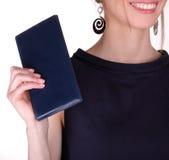 有笔记本的女商人 库存图片