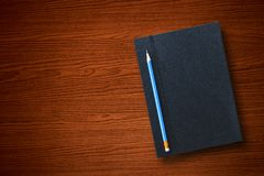 有笔记本的铅笔 库存照片