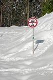 有符号的雪道没有项 图库摄影