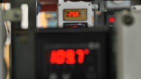有管子、阀门和传感器的锅炉室 股票视频